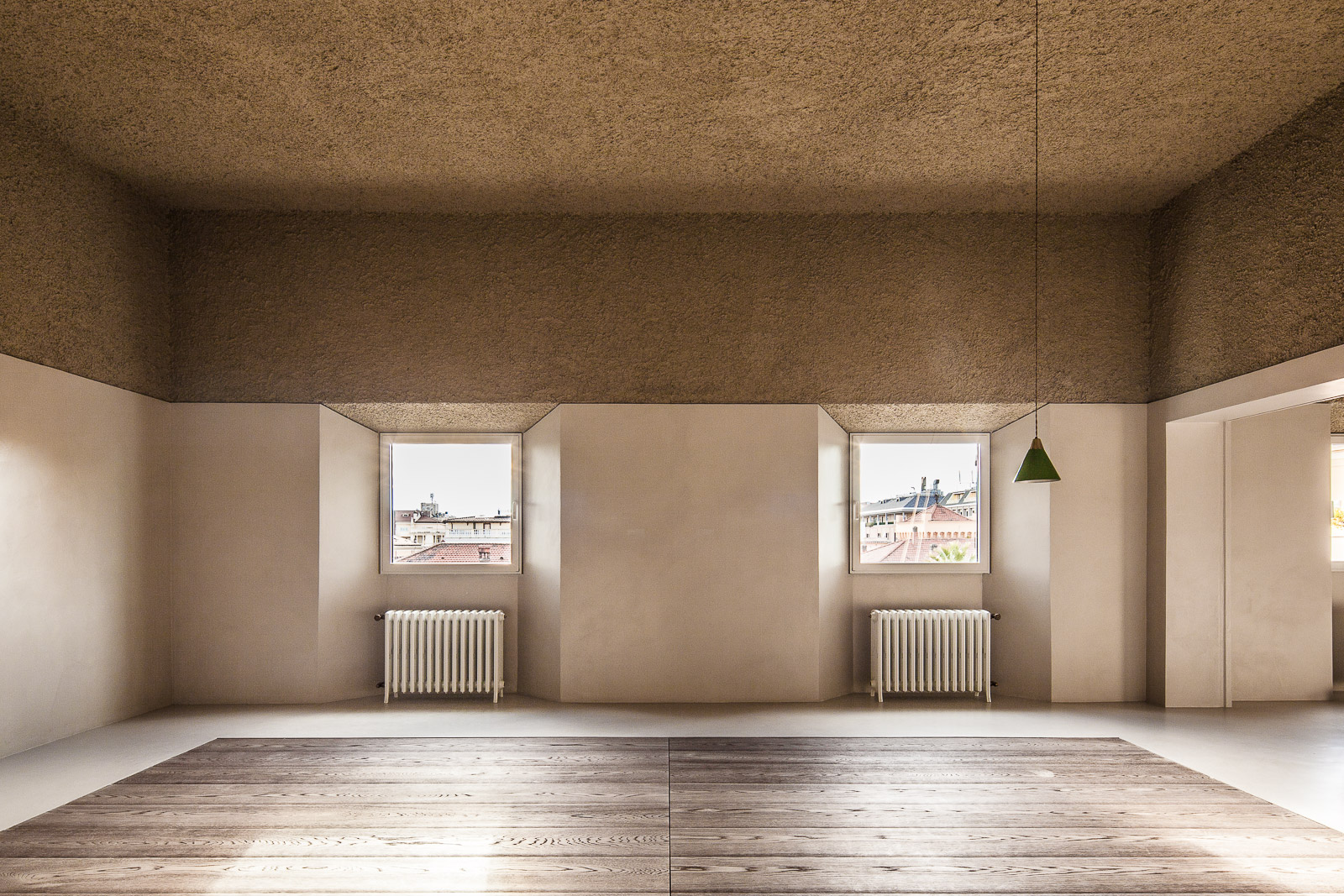 The House of Dust (Rome 2013) is an architectural work designed by Sicilian architect Antonino Cardillo: main hall at noon. Photography by Antonino Cardillo.