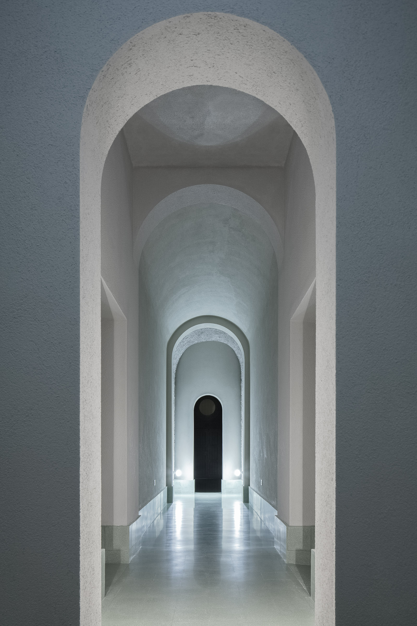 Perspective view of the 'Gallery of Arches', the corridor leading to the Sala Laurentina. Photography: Antonino Cardillo.